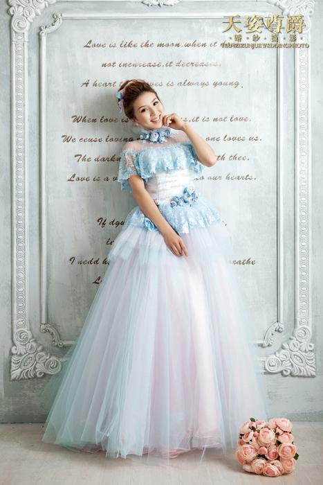修婚纱照要注意的细节_...造了一张完美的婚纱照片,新人选完片后要交代有哪些要注意修整,...