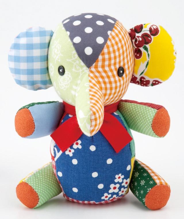 """今年,幸福小动物的形象是大象,长长的鼻子传递着今年的主题"""""""