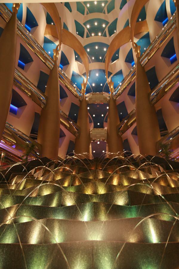 世界上唯一的7星级酒店--阿拉伯塔酒店