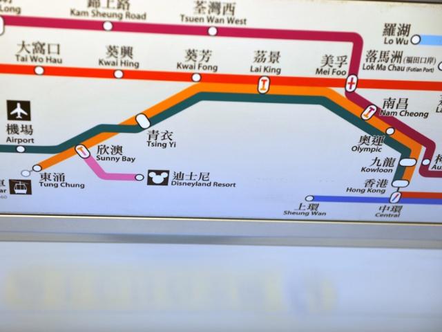 (香港地铁线路图,我们一直就在左下角这4个地方活动来着,他们还