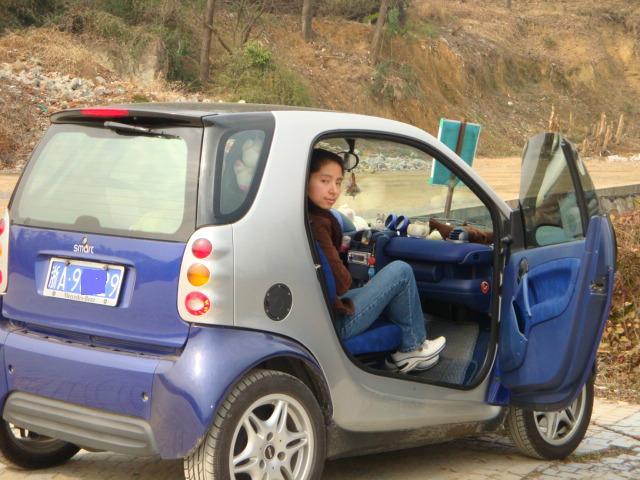 奔驰两人座迷你小轿车图片 奔驰两人座迷你小轿车图片大全 社会热点图片