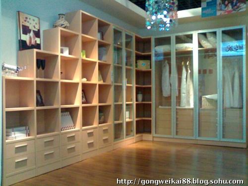 实用主义系列书柜与衣柜连体设计