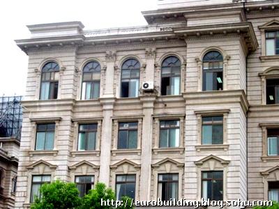 张孝淮的旧居,为民国时的欧式建筑,现已破损严重