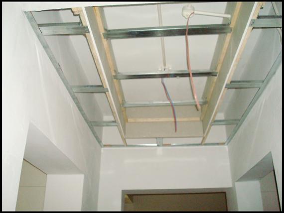 所以管线较多,一般在吊顶内部走线相对来说成本会低