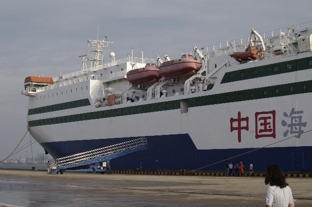 往返天津-大连的船是普陀岛号,2004年由江南船厂建造的客滚船