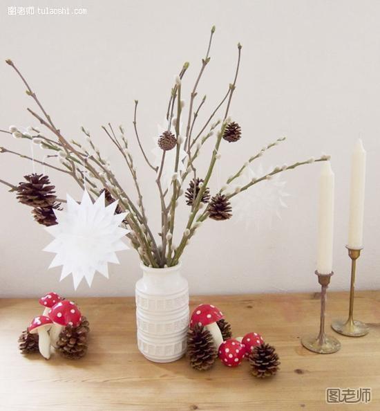 难度:初级  工具/原料松子,小蘑菇,小树枝,硫酸纸,花瓶