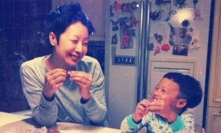 歌手孙悦5岁儿子可爱生活照曝光(图)