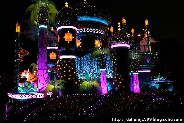 东京迪士尼乐园的花车巡游
