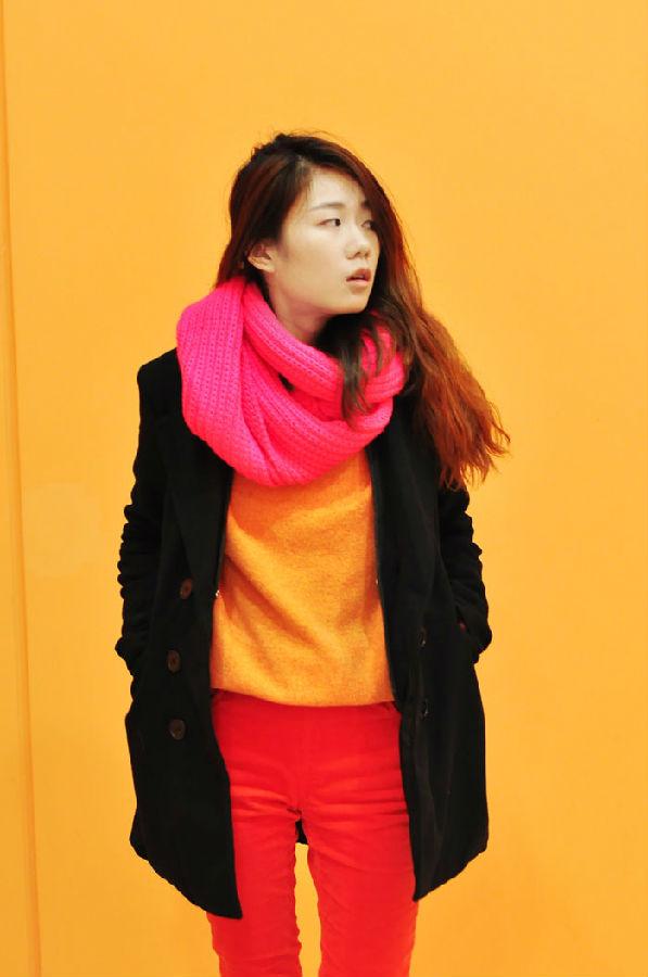 橙色围巾搭配衣服图片